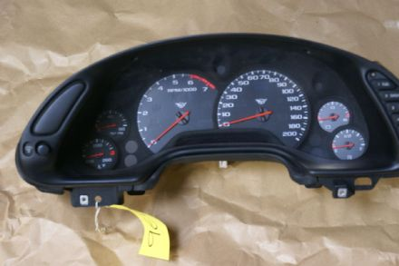 1997 - 2004 Chevrolet Corvette speedometer cluster PARTS ONLY Used OEM 10408309